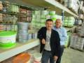 Stefan van Strien (links) en Nico Karper hebben een breed verfassortiment, waaronder een aantal zeer speciale muurverven