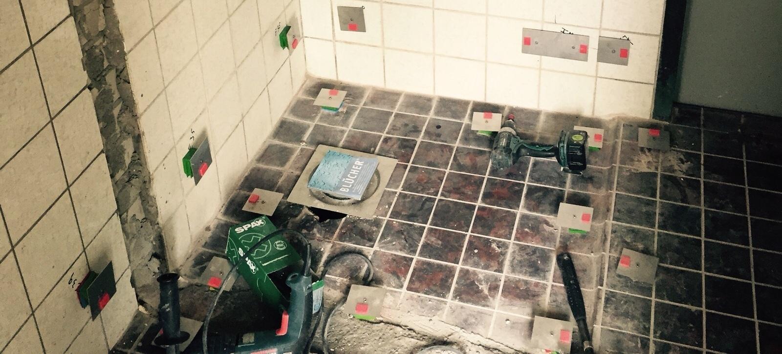 Wits Noord plaatst compleet glazen badkamers • SchildersVAK.nl