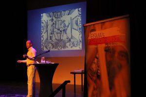 Interessant betoog van Frank Belt, medewerker van het Eise Eisinga Planetarium.